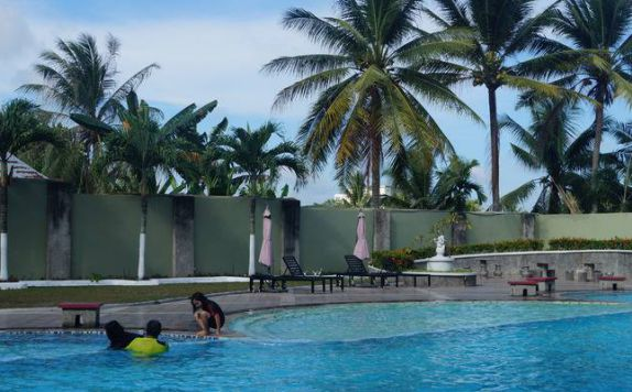 Swimming Pool di Surya Hotel Duri