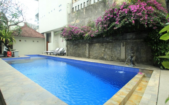 Outdoor Pool Hotel di Su s Cottages II