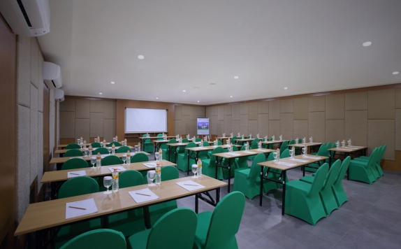Meeting Room di Swiss-Belexpress Kuta, Legian