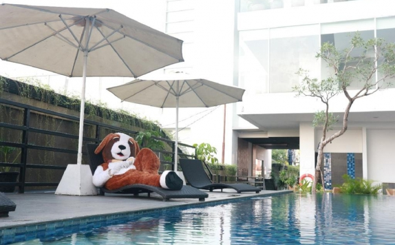 Swimming Pool di Swiss-Belhotel Jambi