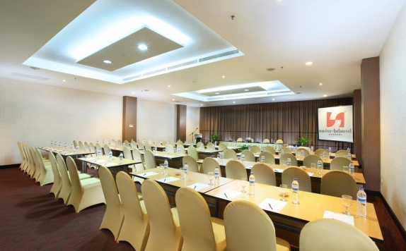 meeting room di Swiss-Belhotel Kendari