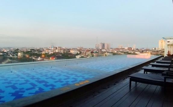 Swimming Pool di Swiss-Belinn Gajah Mada Medan