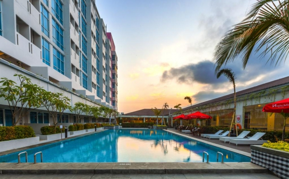 Swimming Pool di Swiss-Belinn Malang