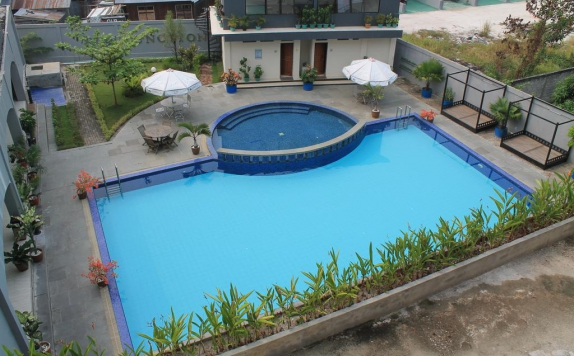 Swimming Pool di Swiss-Belinn Pangkalan Bun