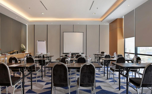 meeting room di Swiss-Belinn Simatupang
