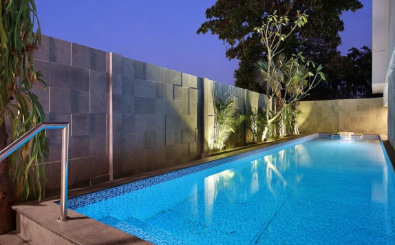 Swimming Pool di Swiss-Belinn Simatupang