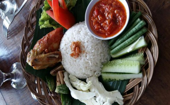 Food and Beverages di Taman Sari Serang