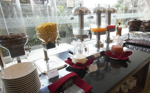 Food and beverages di TARA Hotel Yogyakarta