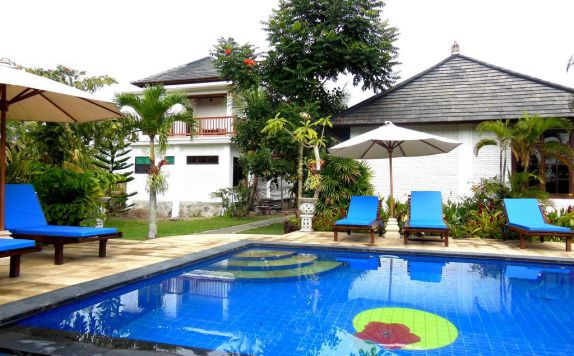 swimming pool di Terang Bulan Cottages