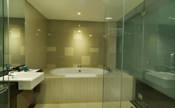 Bathroom di The 101 Palembang Rajawali