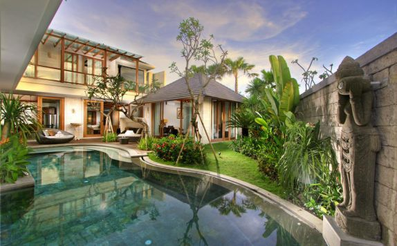swimming pool di The Akasha Villa