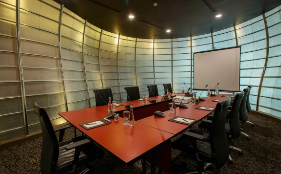 meeting room di The Arista Hotel