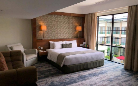 Guest room di The Aryaduta Hotel Medan