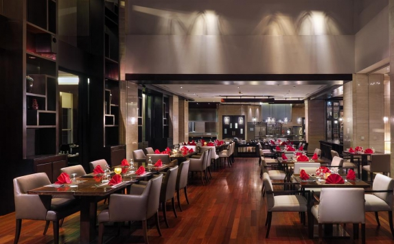 Restaurant di The Aryaduta Hotel Medan