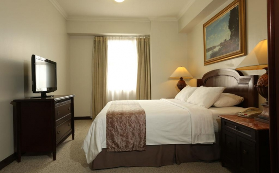 Guest Room di The Aryaduta Suites Hotel Semanggi
