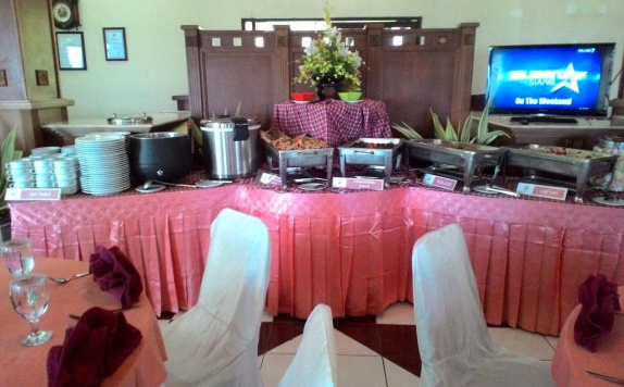 Food and Beverages di The Bandungan Hotel