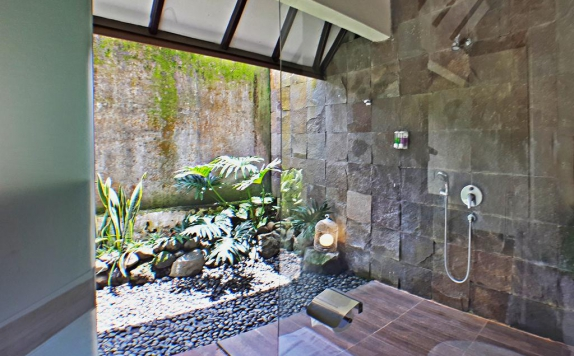 bathroom di The Batu Hotel and Villas