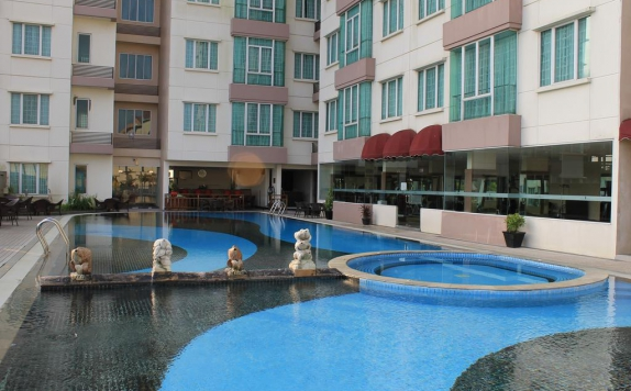 Swimming Pool di The BCC Hotel