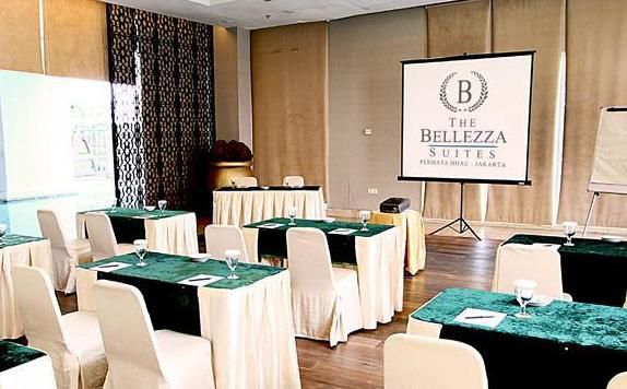 Meeting Room di The Bellezza GP Suites (Apartment)