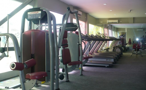 Gym di The Centro Hotel and Residence