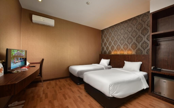 Bedroom di The Crew Hotel Medan