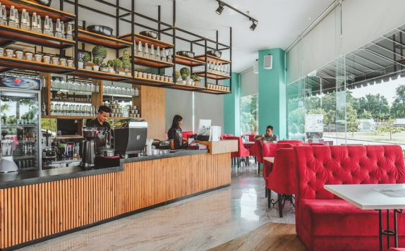 Restaurant di The Crew Hotel Medan