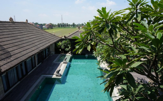 Swiming Pool di The Edelweiss Hideaway Solo