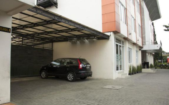 Exterior di The Eight Hotel Bandung