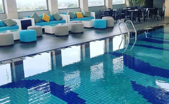 Swimming Pool di The Excelton Hotel