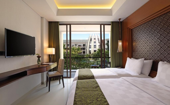 guest room twin bed di The Golden Tulip Jineng Resort Bali