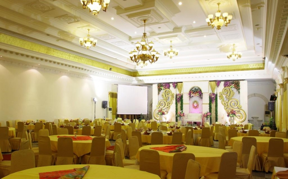 Ballroom di The Grand Palace Malang