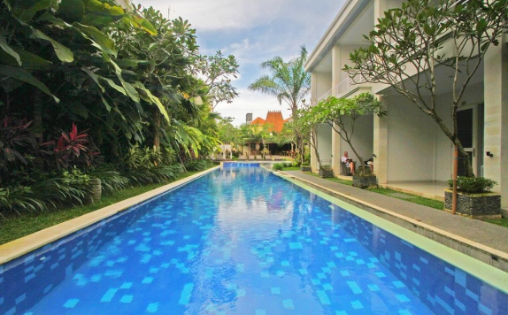 Swimming Pool di The Grand Sunti Resort