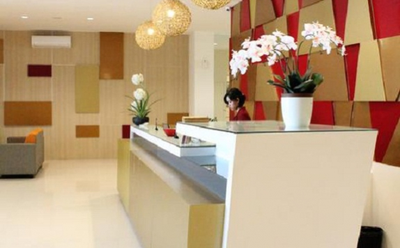 receptionist di The Himana Malang