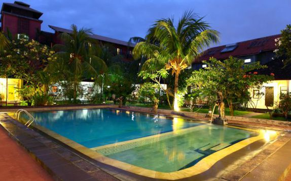 swimming pool di The Kodja Beach Resort