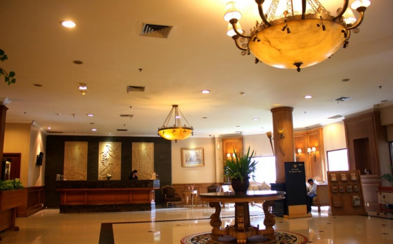 Lobby di The Majesty Hotel & Apartment