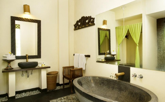 Bathroom di The Mansion Resort and Spa