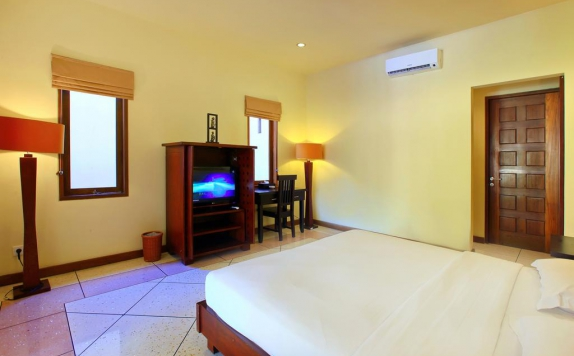 Guest room di The Mutiara Jimbaran Boutique Villas
