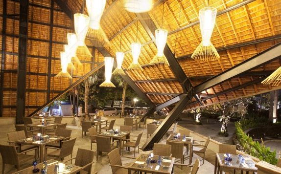 Restaurant di The Oasis Lagoon Sanur