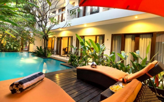 swiming pool di The Pavilion Hotel Kuta