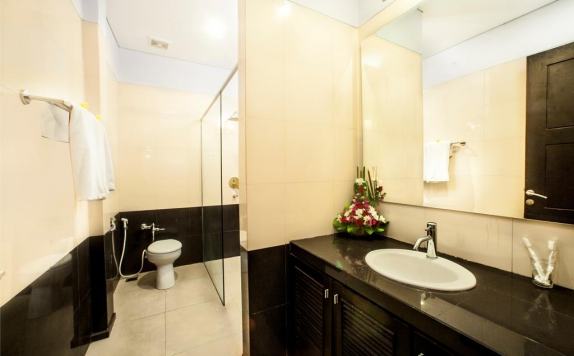 Bathroom di The Radiant Hotel & Spa