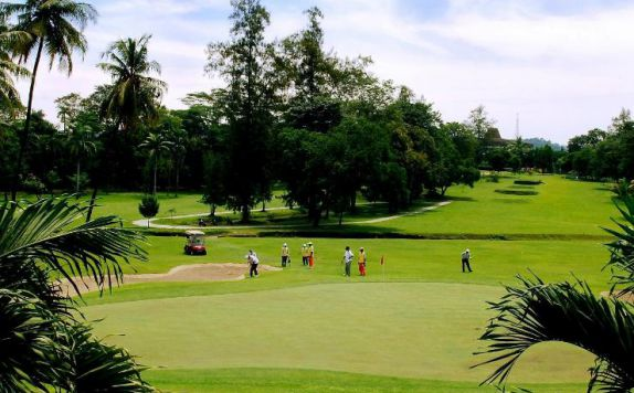 Area Golf di The Royale Krakatau Hotel