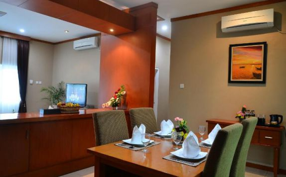 Dining Room di The Royale Krakatau Hotel