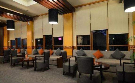 Pub/Lounge di The Royale Krakatau Hotel