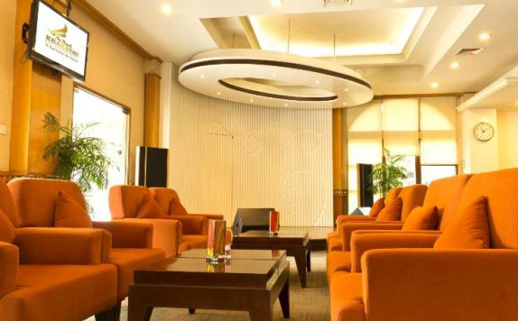 Pub Lounge di The Royale Krakatau Hotel