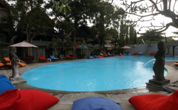 swiming pool di The Seminyak Village Resort