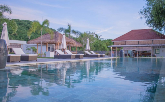 Swimming Pool di The Suites Lombok
