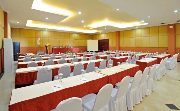 Meeting room di The Sun Hotel Sidoarjo