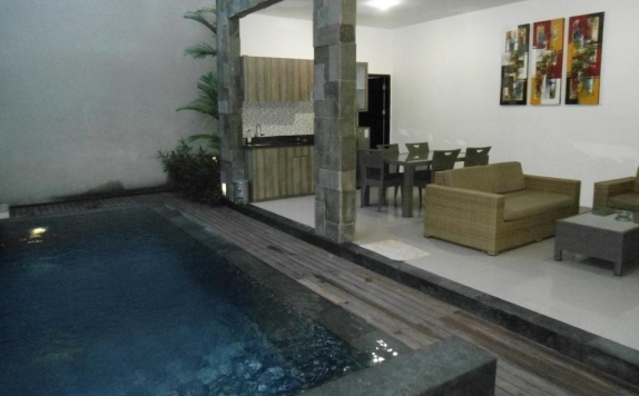 Outdoor Pool Hotel di The Ulun Kubu Villa