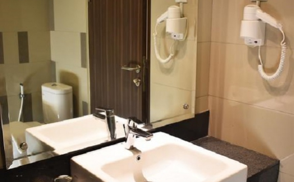 bathroom di The Wujil Resort & Conventions