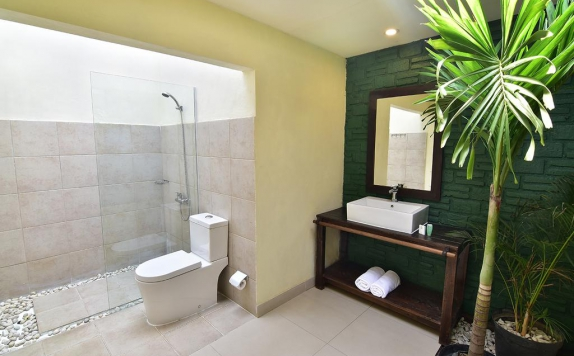 Bathroom di Tigalima Homestay